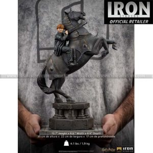 Iron Studios - Ron Weasley at the Wizard Chess Deluxe Art Scale 1 10 - Harry Potter